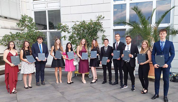 Schüler/innen der HAK/HAS Leibnitz mit ausgezeichneten und guten Erfolgen bei der RDP und AP